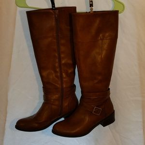 Women's 9.5 brown faux leather boots
